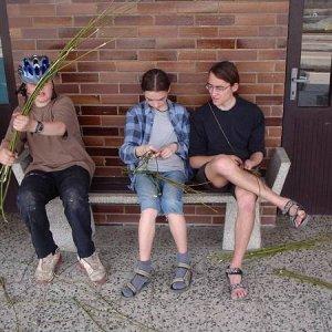 14.4.2003  7:48 / Chlapci chceli šibať, teda chlapcom chcelo šibať
