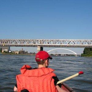 24.6.2005  16:56 / Popod bratislavské mosty