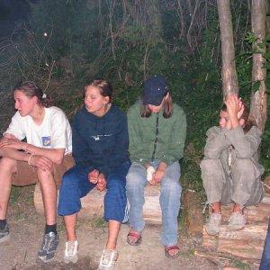 24.6.2005  21:19 / Večer pri ohni dúfame, že noc bude kľudná