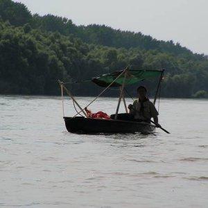 25.6.2005  15:49 / Úprava kanoe na tropickú verziu