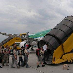 16.7.2005  11:02 / Pojedeme airbusem, flašku rumu za pasem