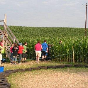 26.7.2005  19:23 / Večer sme boli vo veľmi zaujímavom kukuričnom bludisku