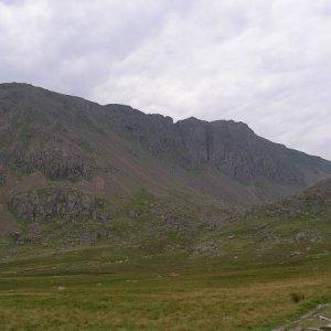 """27.7.2005  14:54 / Pohľad na """"náš"""" kopec - ani by ste nepovedali, že má iba 790 m."""