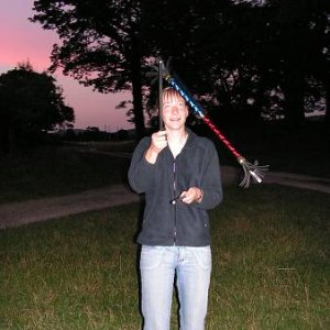 27.7.2005  21:35 / Večer sme mali možnosť priučiť sa cirkusovým aktivitám za pomoci miestnych skautov