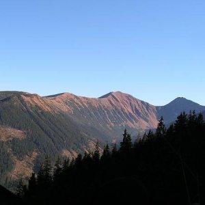 30.10.2005  13:36 / Pohľad na Volovec pri výstupe na Salatín